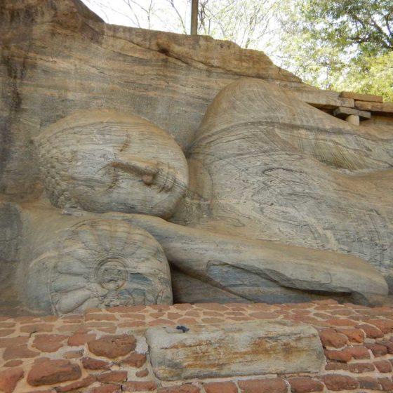 Polonnaruwa Buddha Gal Vihara nel Nirvana