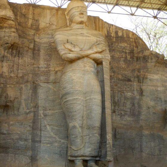 Sri Lanka Polonnaruwa Buddha Gal Vihara illuminazione