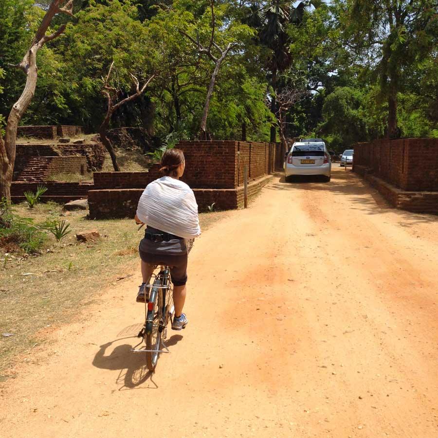 Polonnaruwa in bicicletta, Sri Lanka