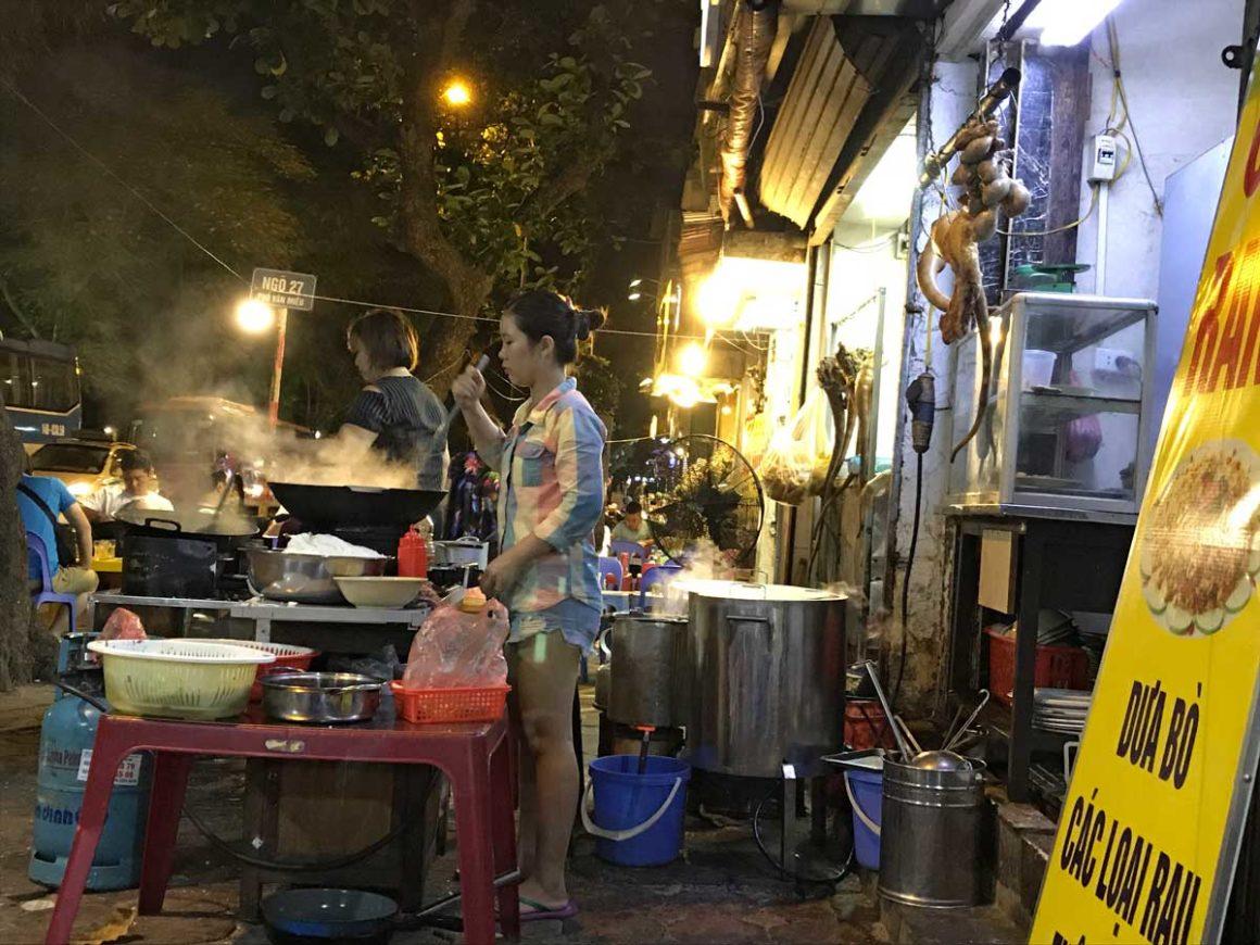 Cucina vietnamita: street food ad Hanoi