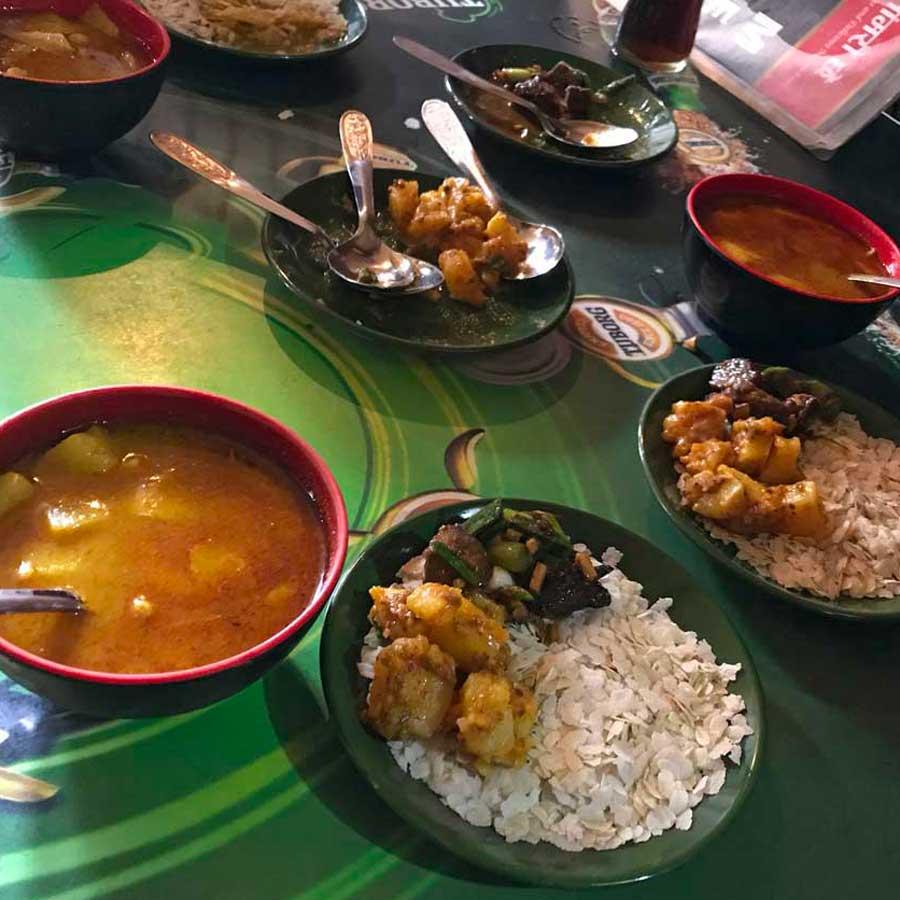 Pranzo a Kathmandu