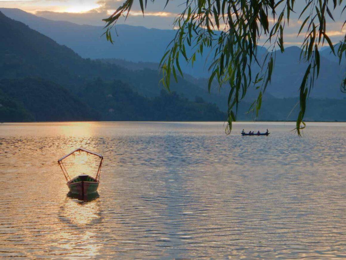 Tramonto sul Lago Phewa, Pokhara