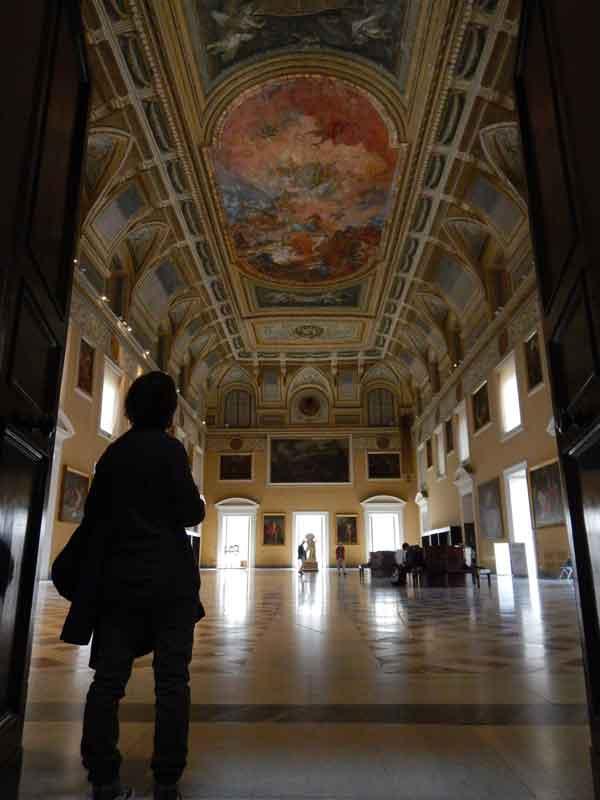 Salone della Meridiana al Museo Archeologico Nazionale di Napoli