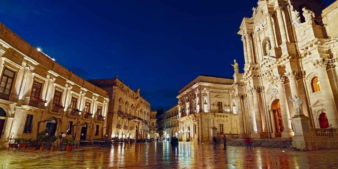Piazza Duomo a Siracusa