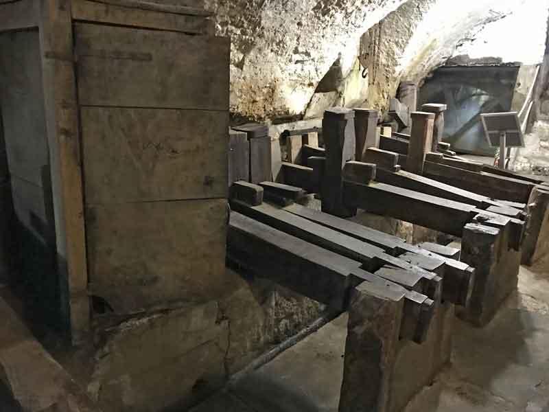 Amalfi Museo della Carta macchinario a magli multipli