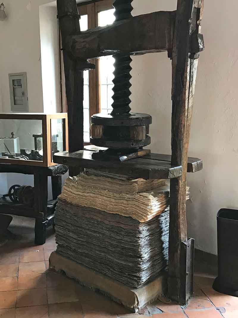 Amalfi Museo della Carta torchio