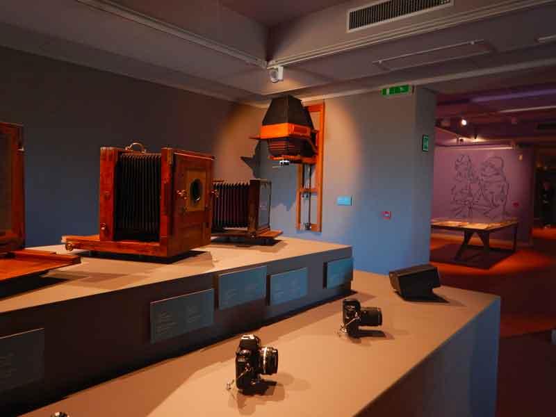 Vecchie macchine fotografiche in mostra al Museo del Castello di Udine