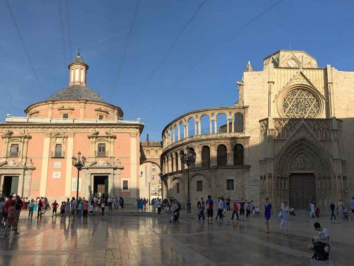 La Basílica de la Mare de Déu dels Desamparats, Valencia