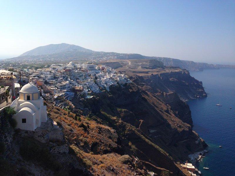 Vista sulla costa nord di Santorini