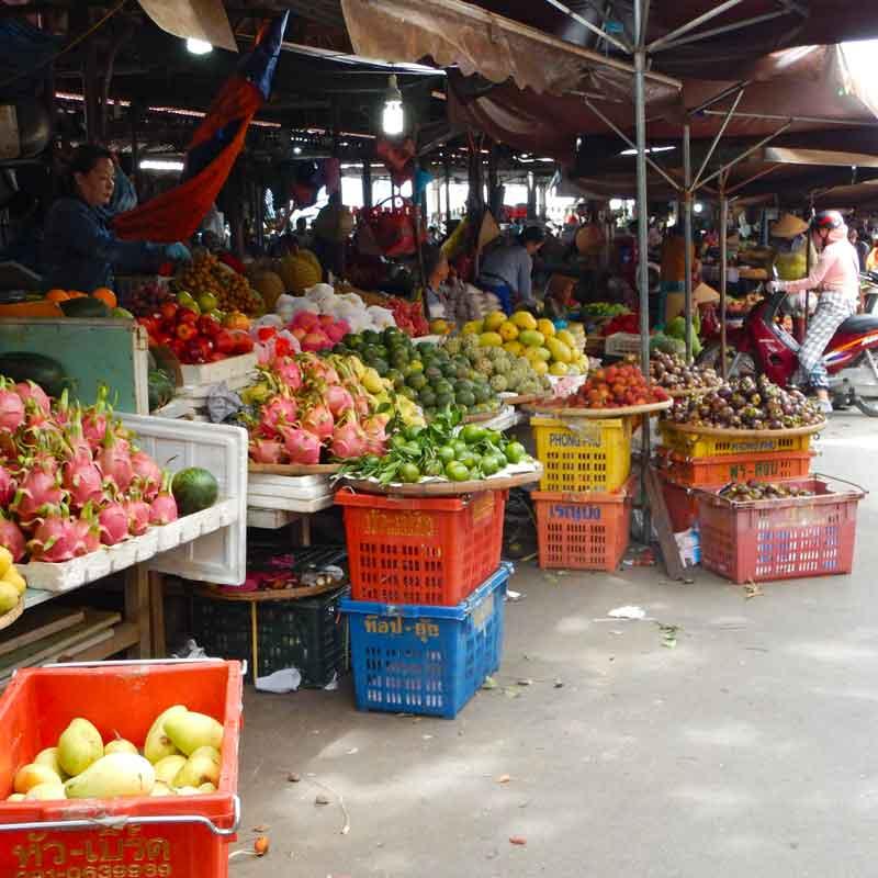 Frutta fresca al mercato centrale di Hoi An