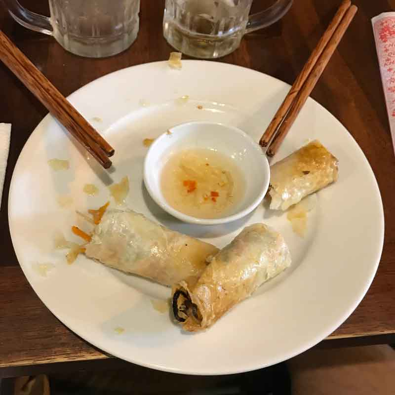 Cucina vietnamita: spring rolls fritti